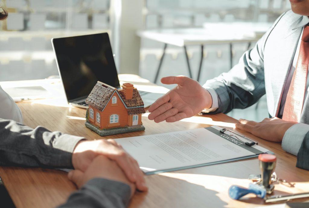 Requisitos del contrato de arrendamiento y restitución de inmueble